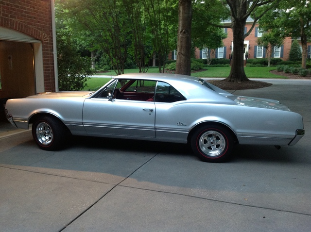 Cutlass Holiday Coupe Rock Hill Sc Oldsmobilecentral Com