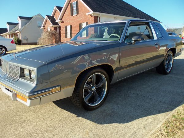 1985 Oldsmobile Cutlass 442 Glass T-Tops (Murfreesboro, TN