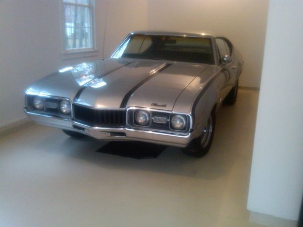 1968 Olds Cutlass Hurst/Olds Tribute