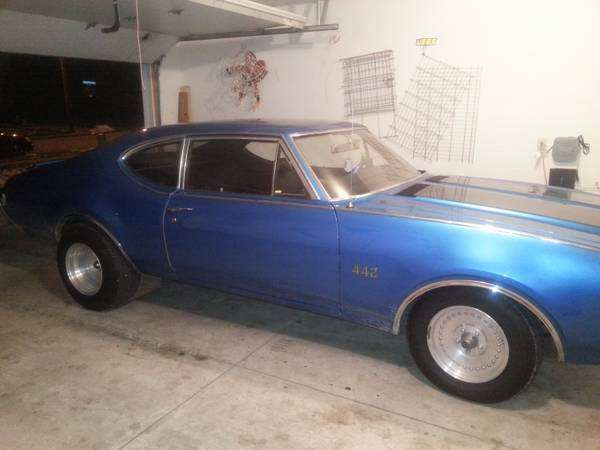 1969 442 Oldsmobile Post Car
