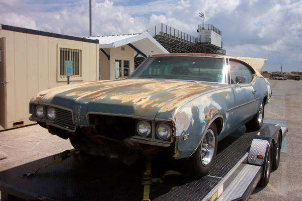1969 Oldsmobile 442 - 4 speed