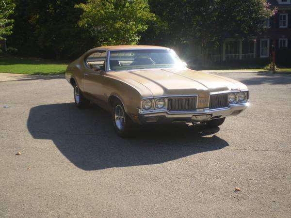 1970 442 Olds 4 speed Hard Top