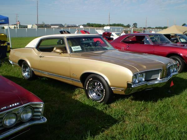 1970 Oldsmobile Cutlass Supreme Holiday