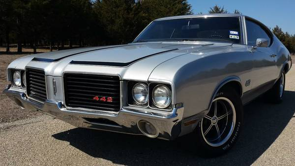 1972 Oldsmobile Cutlass 442 tribute