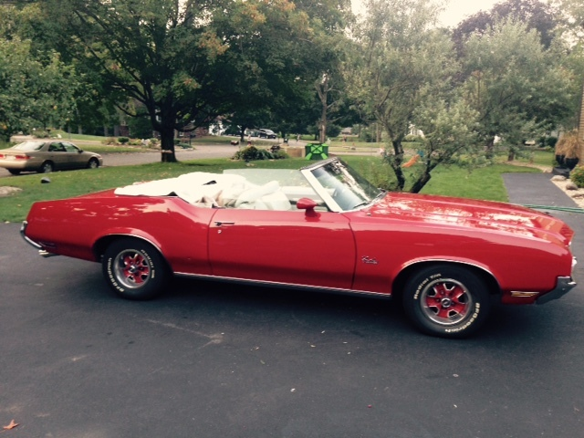 1972 Oldsmobile Cutlass Supreme Red Convertible