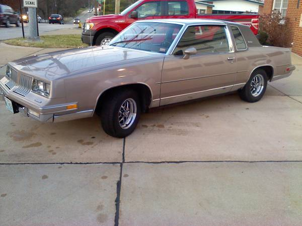 1984 Oldsmobile Cutlass Supreme Nice All Original Car
