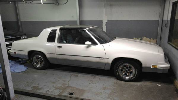 1985 Oldsmobile cutlass 442