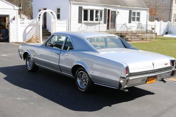 1967 442 Oldsmobile