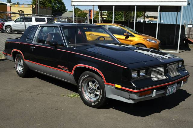 1983 Oldsmobile Cutlass Calais Hurst/Olds