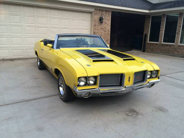 1972 442 4 Speed Cutlass Convertible