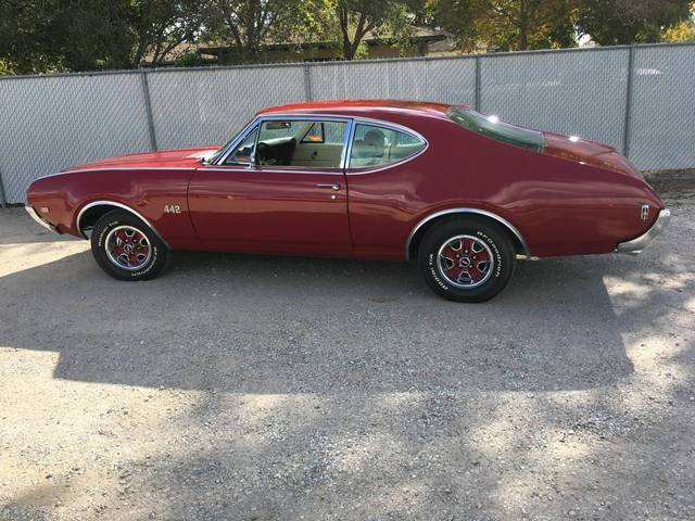 1969 Oldsmobile 442 post