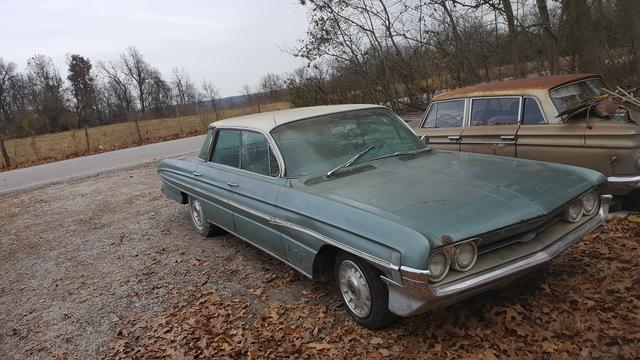1961 Olds 98 holiday sedan
