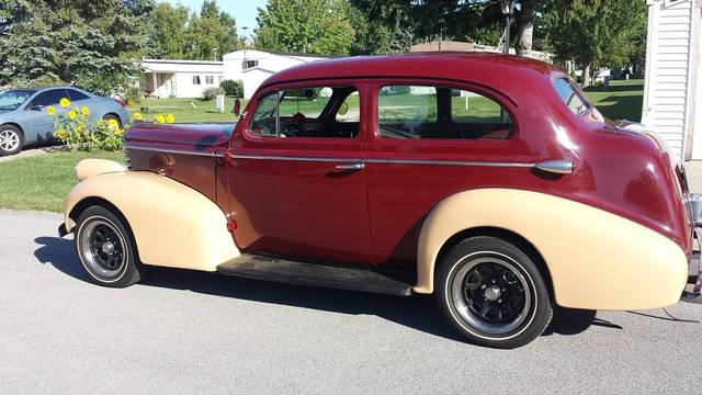 1938 Oldsmobile F-38 Two door Sedan