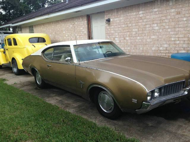 1969 Cutlass S Holiday Coupe Six