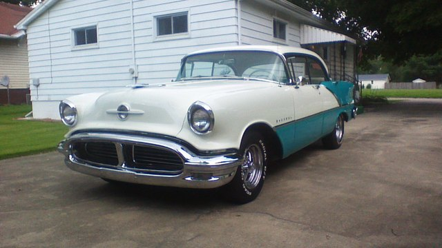 56 Holiday 88 restomod