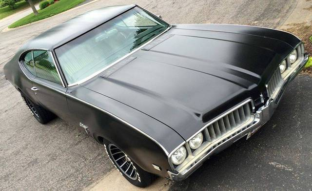 1969 Oldsmobile Cutlass S Holiday Coupe