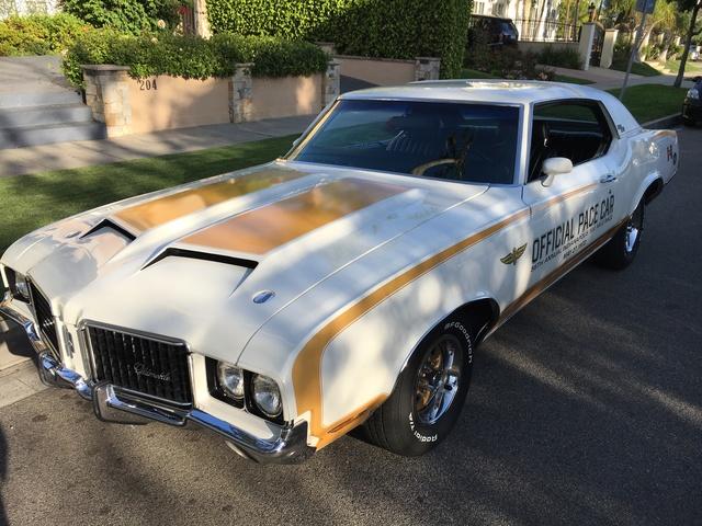 ORIGINAL FAMILY 1972 Hurst/Olds pace car (no sunroof)