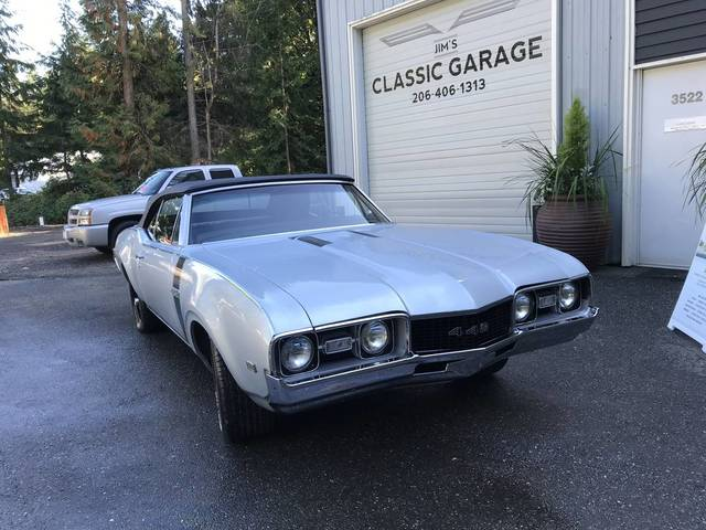 1968 Oldsmobile Cutlass Convertible (442 Clone)