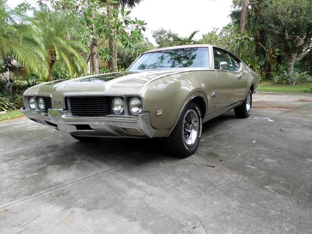 1969 Olds 442 4 Speed