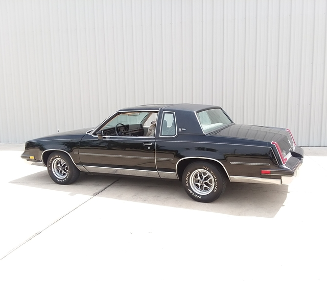 1983 Cutlass Calais *T Tops