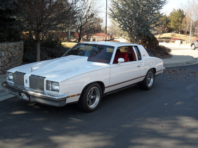 78 CUTLASS (street machine)