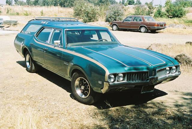 1969 Oldsmobile Vista Cruiser Station Wagon