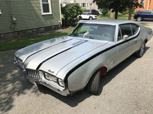 1968 Oldsmobile Cutlass S Holiday Coupe Hurst Olds