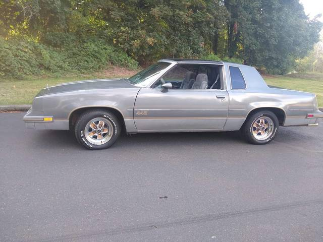 1985 Oldsmobile Cutlass Salon 442