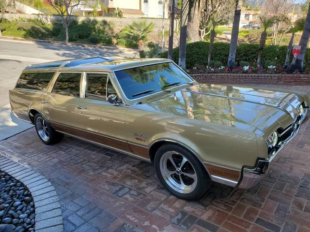 1967 Oldsmobile Vista Cruiser 442