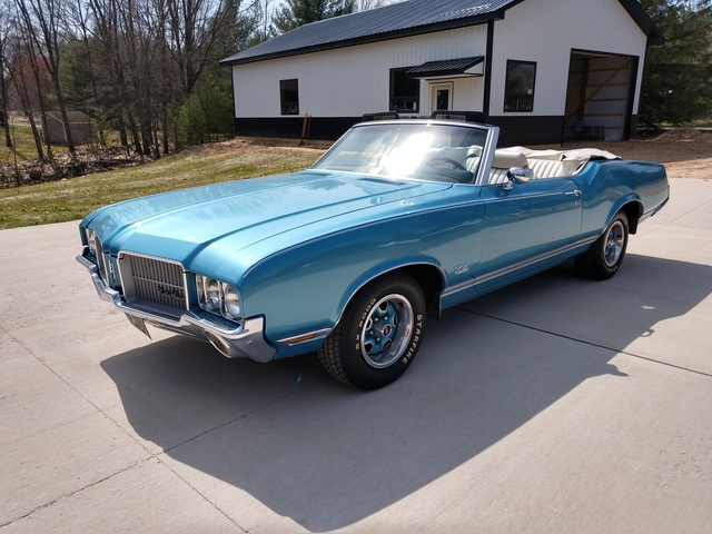 1971 Oldsmobile Cutlass supreme  convertible