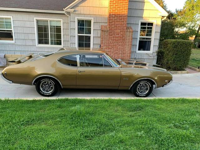 1969 Oldsmobile 442 Post Coupe