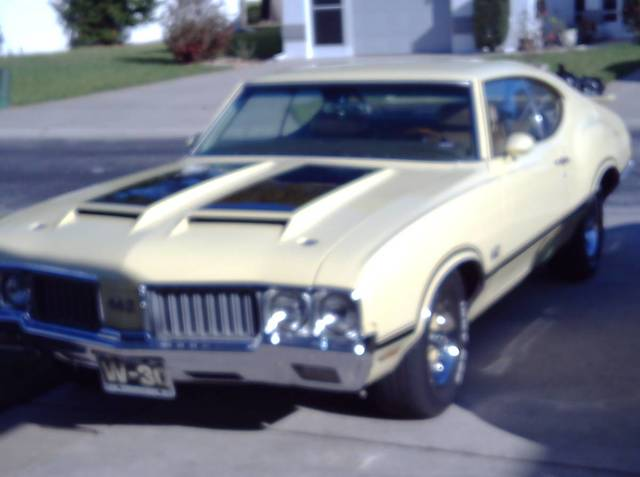 1970 Oldsmobile 442 W30 replica