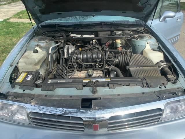 1995 Oldsmobile 98 - $1,000