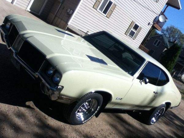 The Cream Machine - 1972 Cutlass S
