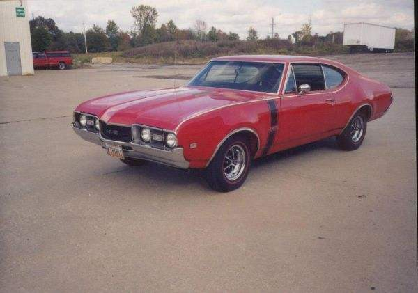 1968 Oldsmobile 442 W30 Holiday Coupe