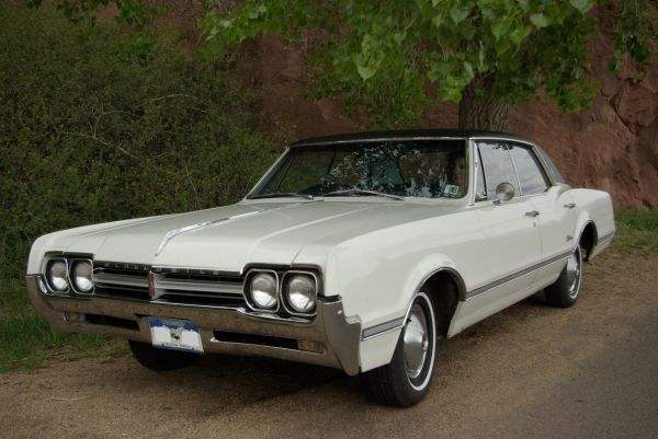 1966 Oldsmobile Cutlass Supreme